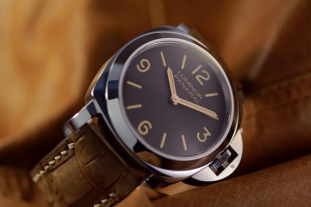 """Eine Replica Uhr als """"Statussymbol"""""""